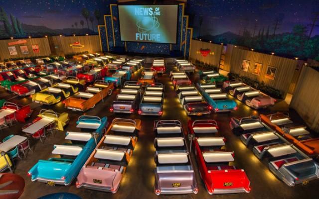 Sci-Fi Dine-In Theater: restaurante com drive-in na Disney
