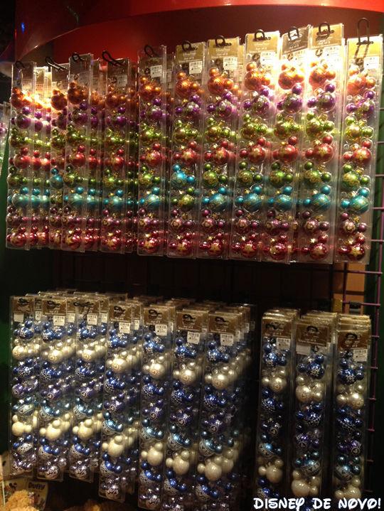 Days of Christmas bolas Mickey