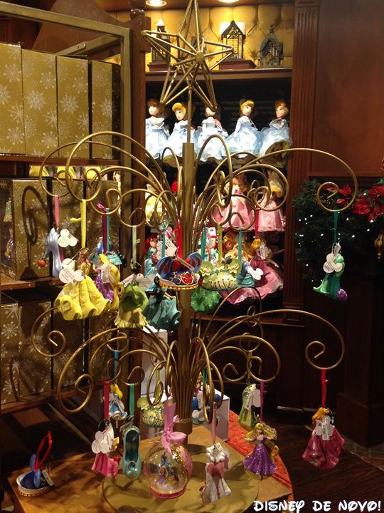 Loja-Days-of-Christmas-arvore-princesas