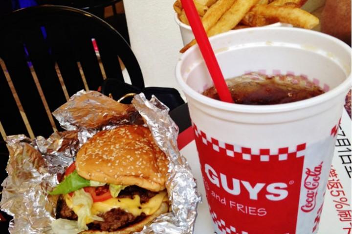 Five Guys — hambúrguer delicioso em Orlando