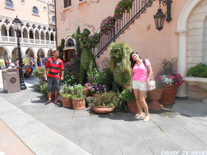 Flower and Garden Epcot Dama Vagabundo