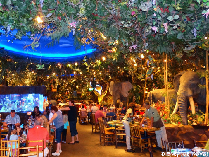 Rainforest_Cafe_Disney_Springs_Ambiente