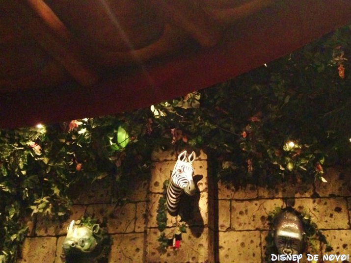 Rainforest_Cafe_Disney_Springs_Animais