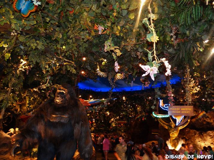 Rainforest_Cafe_Disney_Springs_Gorila