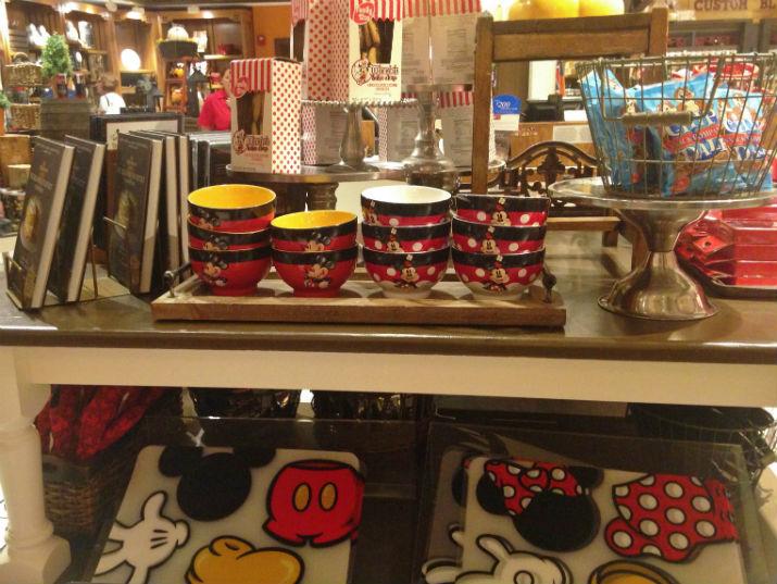 Mickey's_Pantry_Mickey_Minnie