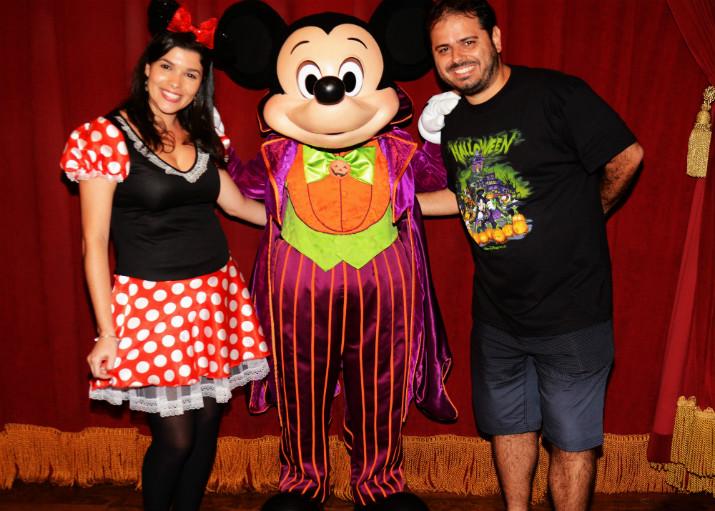 Halloween_Disney_Encontro_Mickey_Vampiro