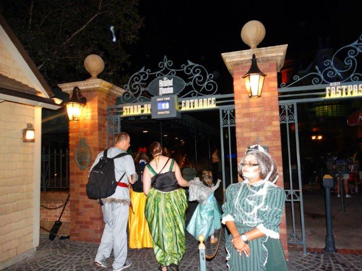Halloween_Disney_Haunted_Mansion
