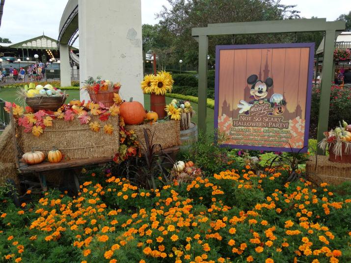 Halloween_Disney_Mickey-not-so-scary_2