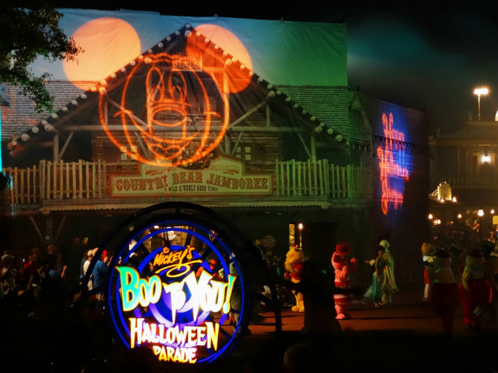 Halloween_Disney_Mickeys_Boo_to_You