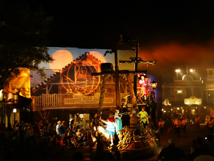 Halloween_Disney_Mickeys_Boo_to_You_PeterPan