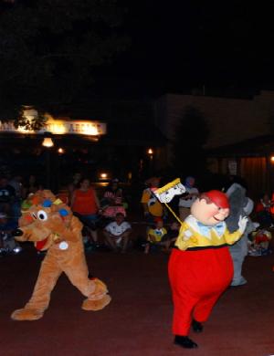 Halloween_Disney_Mickeys_Boo_to_You_Pluto