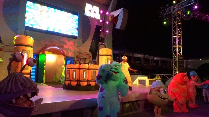 Halloween_Disney_danca_Monstros