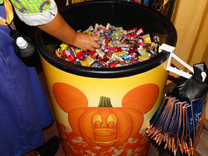 Mickeys_not_so_scary_Halloween_Chocolate