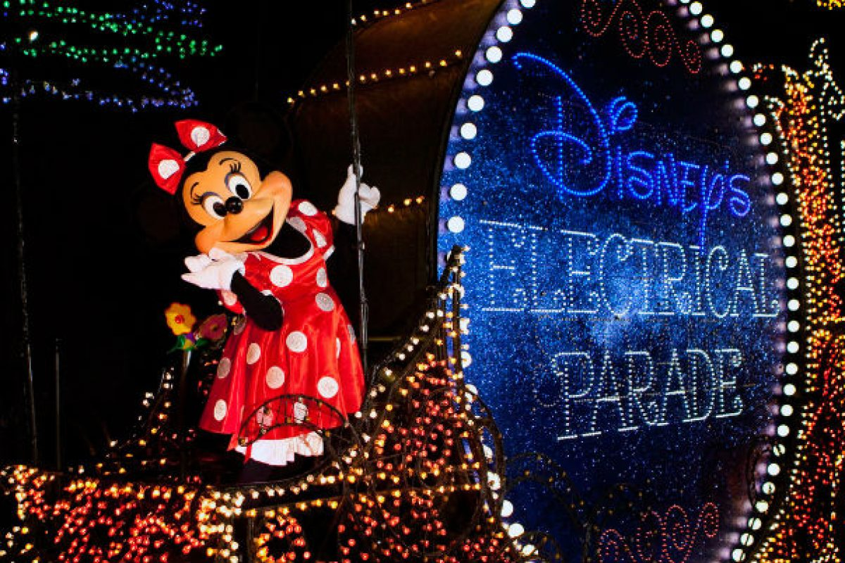 Fim da Main Street Electrical Parade no Magic Kingdom