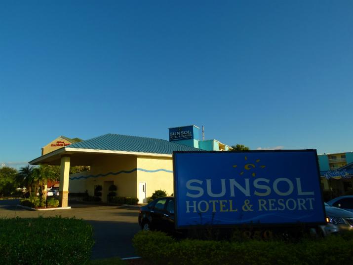 Sunsol International Drive Orlando Entrada