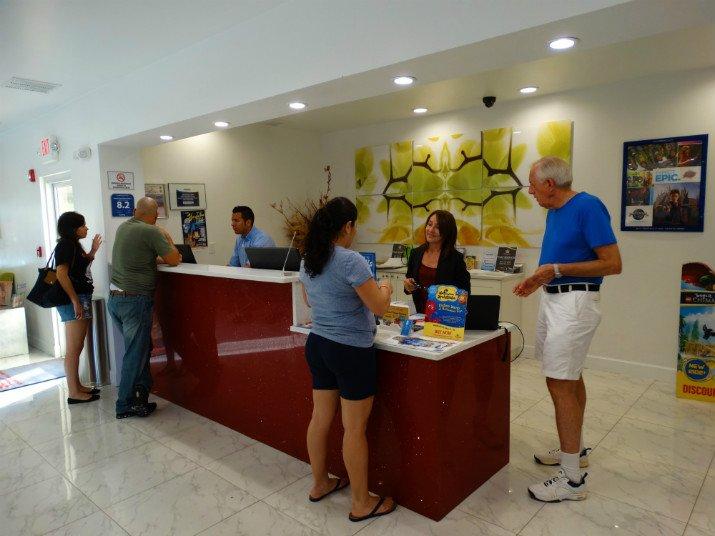 Sunsol International Drive Orlando Recepção