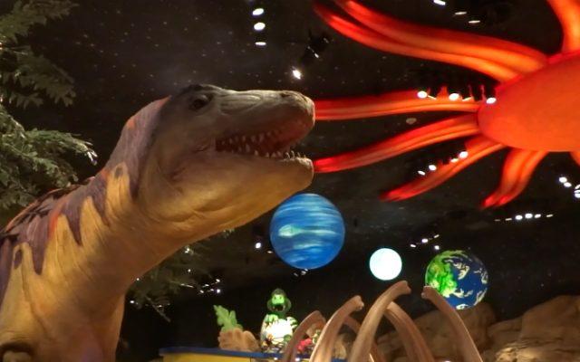 T‑REX: refeição com os dinossauros em Orlando