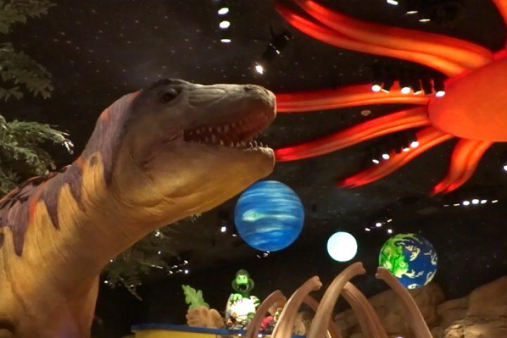 T-REX: refeição com os dinossauros em Orlando