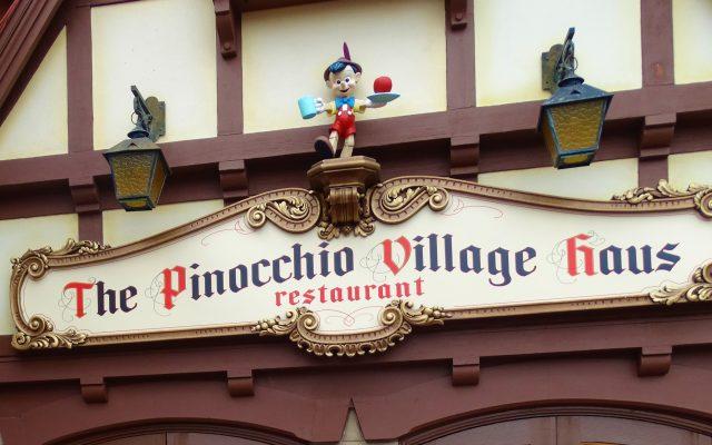 Pinocchio Village Haus- restaurante no Magic Kingdom