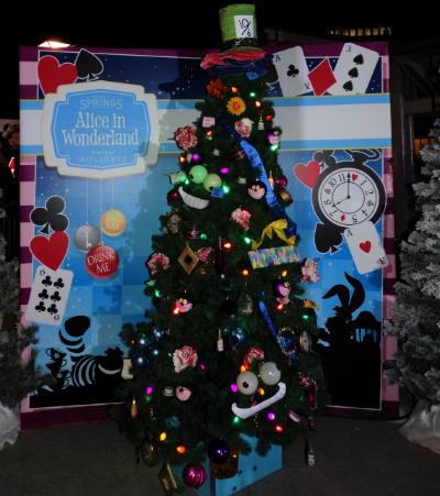 disney_christmas_tree_trail_alice