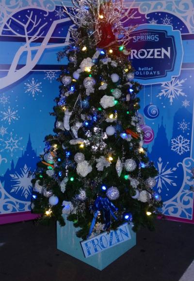 disney_christmas_tree_trail_frozen