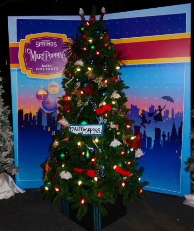 disney_christmas_tree_trail_mary_poppins