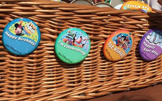 Broches da Disney gratuitos para você comemorar!