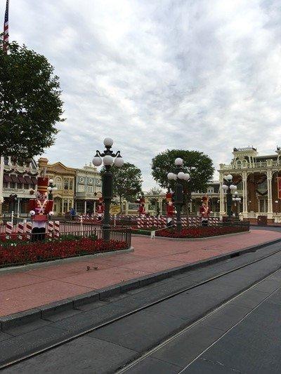 O parque estava com decoração de Natal.