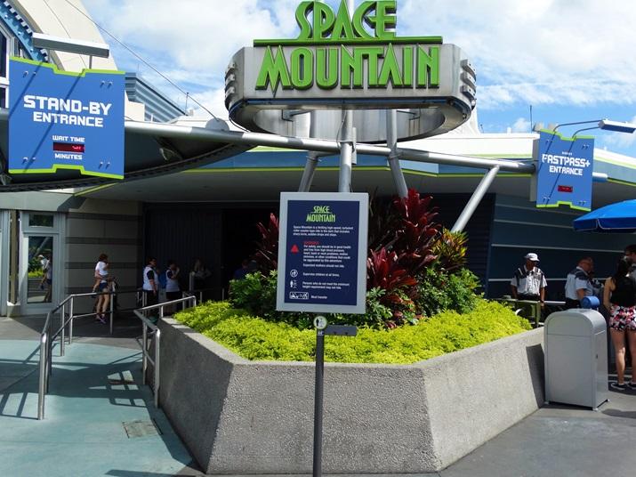 Magic Kingdom Space Montain