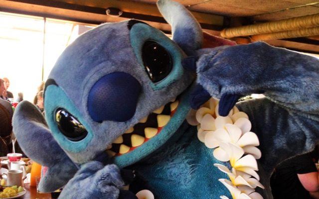 Ohana — café da manhã havaiano com Mickey e Stitch