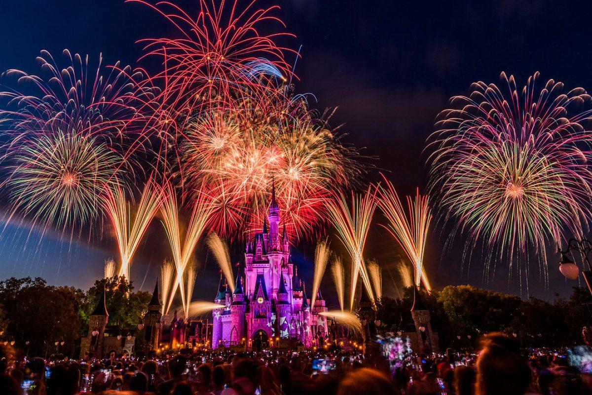 Assista a transmissão do show de fogos de 4 de julho ao vivo do Magic Kingdom!