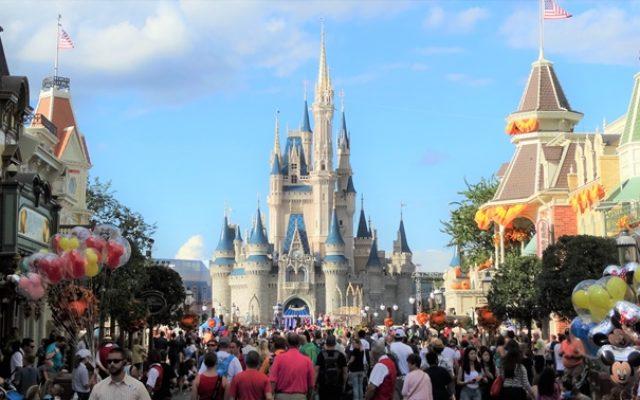 Orange County estabelece diretrizes iniciais para a reabertura dos parques de Orlando