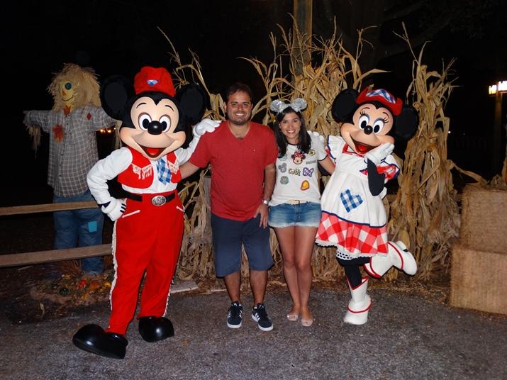Mickey's Backyard BBQ Mickey Minnie