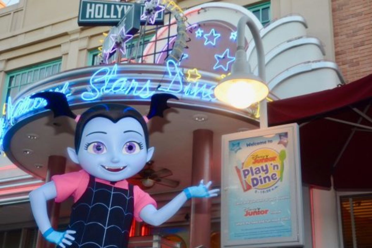Vampirina chega nos parques da Disney
