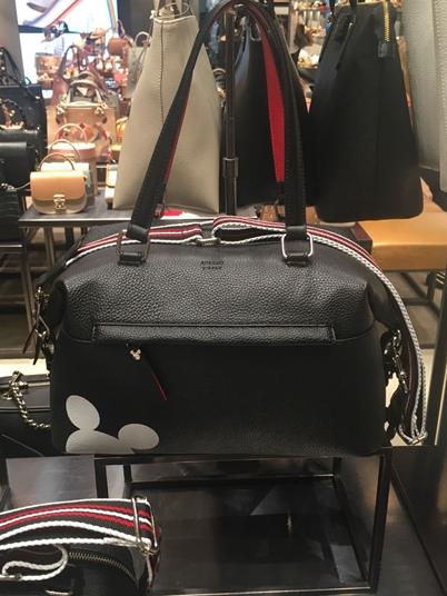 Arezzo Mickey 90 anos bolsa