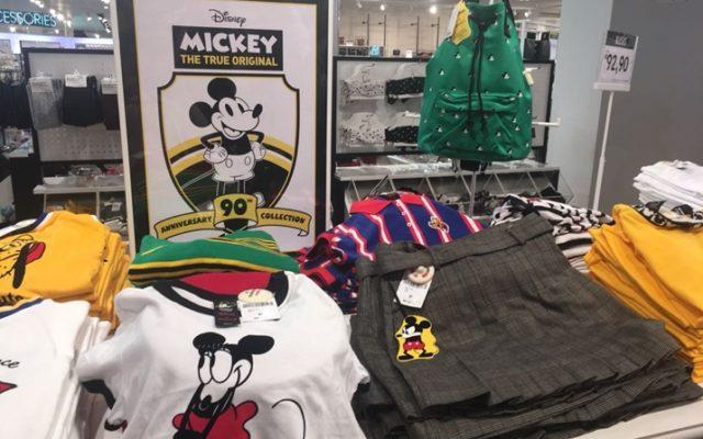 Forever 21 Brasil lança coleção de 90 anos do Mickey