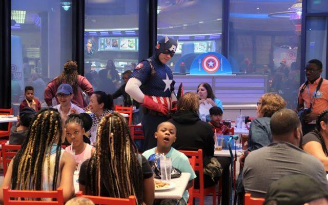 Jantar com os super heróis na Universal