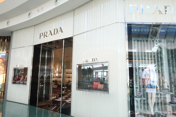 mall at millenia Prada Orlando