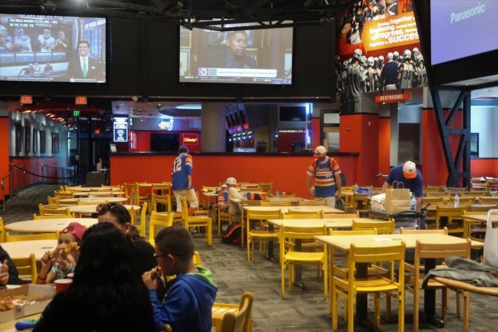 ESPN Wide World of Sports restaurante
