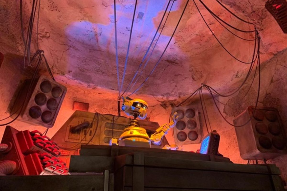 Oga's Cantina- bar alienígena em Star Wars: Galaxy's Edge