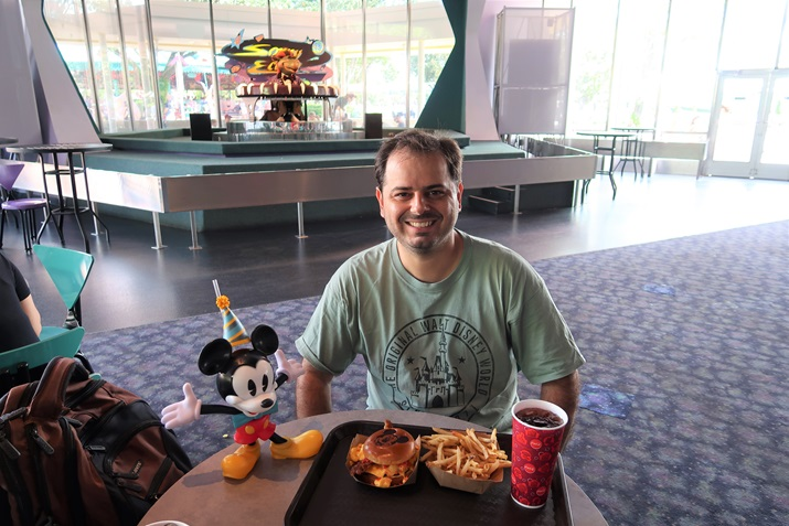 Cosmic Ray's Starlight Café Magic Kingdom