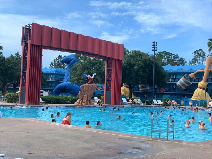 all Star Movies piscina