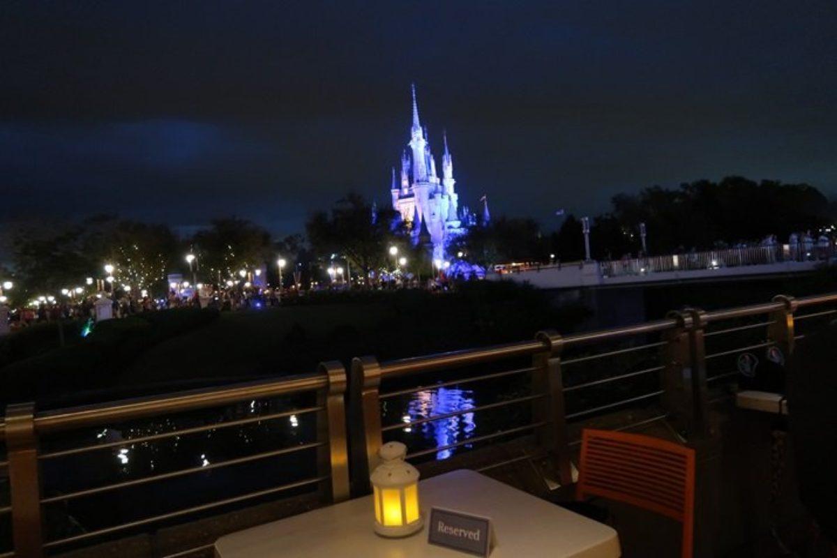 Fireworks Dessert Party: vista exclusiva do show de fogos no Magic Kingdom